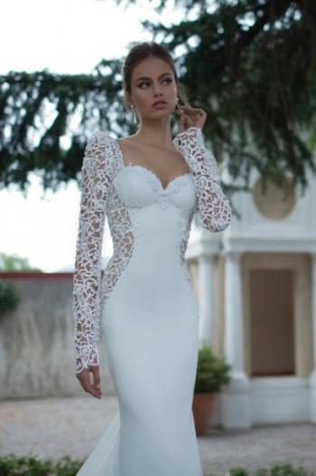 A close up of the front of the Laelia Wedding Dress