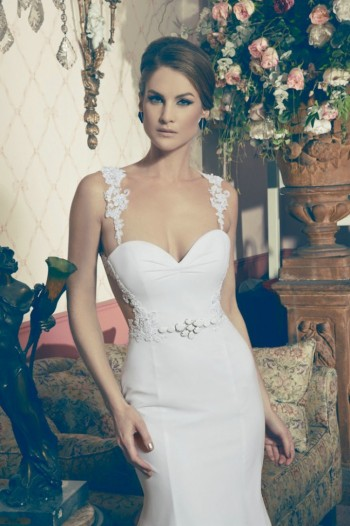 The front of the Aurea Wedding Dress